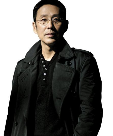 陈道明:   饰 潘雨亭   陈道明,演员...   作品:   北平往事 ...